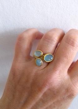 Aquamarine and 22ct gold ring
