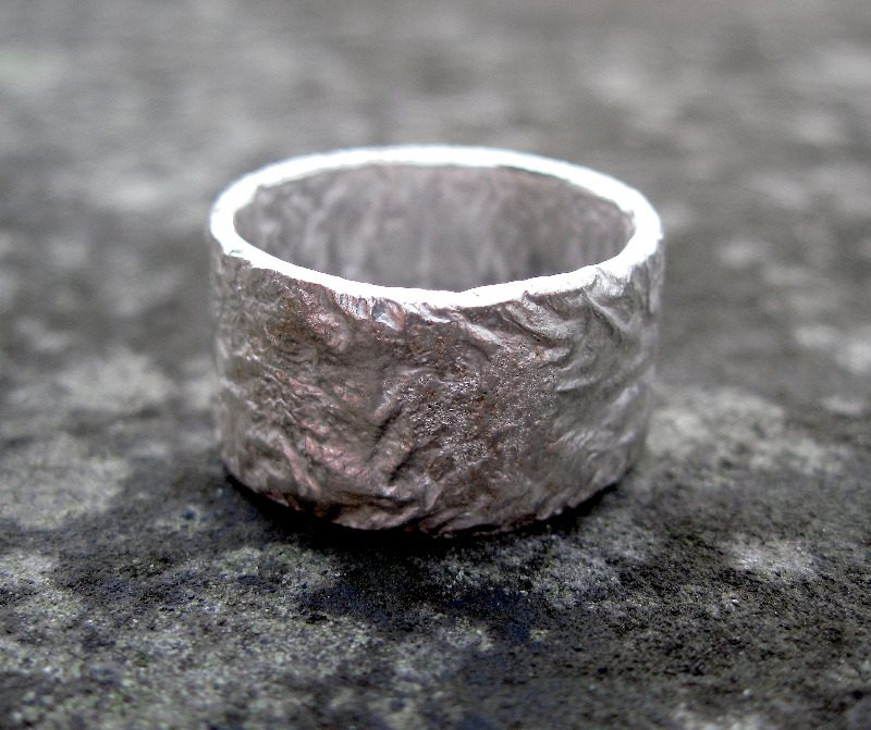 Wide Rocky Outcrop Ring