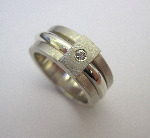 18ct White Gold Solitaire Diamond Rattle Ring