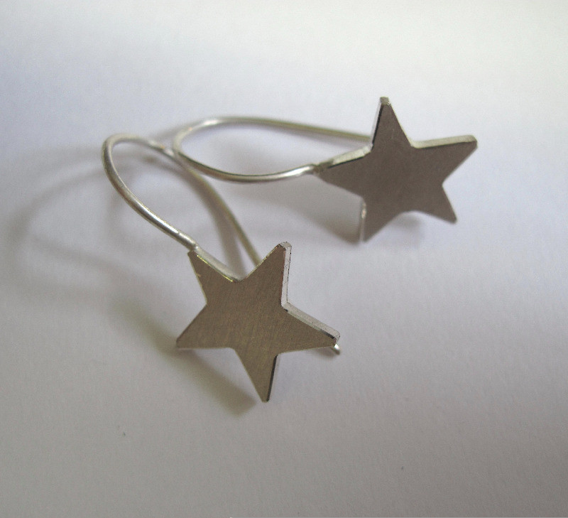 small hook star earrings