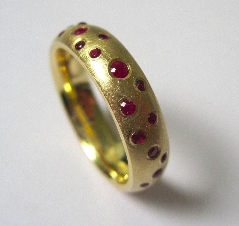 ruby and 18ct yellow gold scatter ring