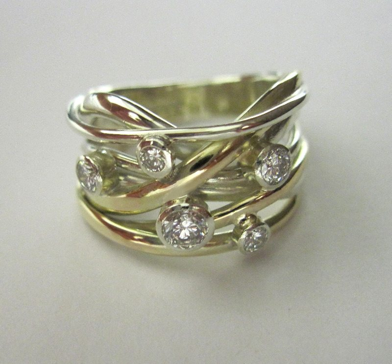 Squiggle Ring with 5 Diamonds
