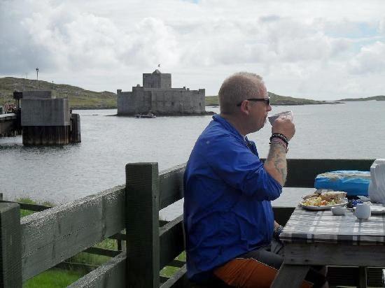 overlooking-castlebay deck
