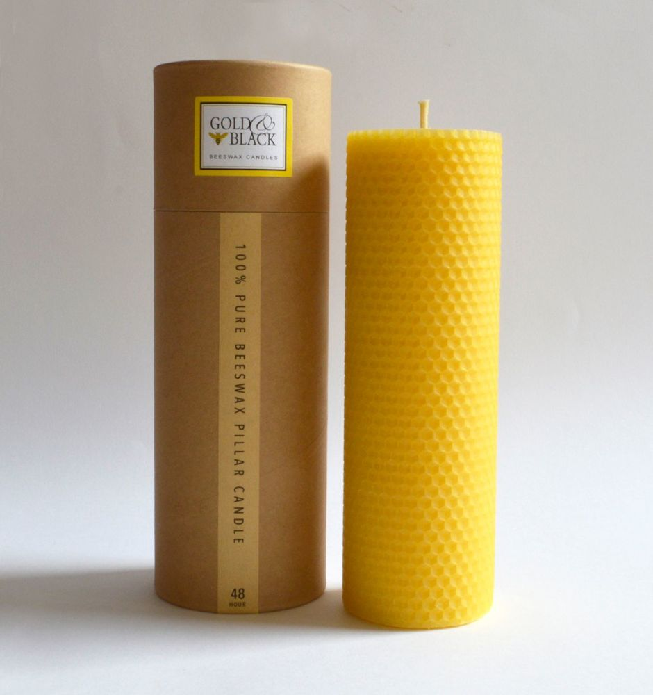 Rolled beeswax candle