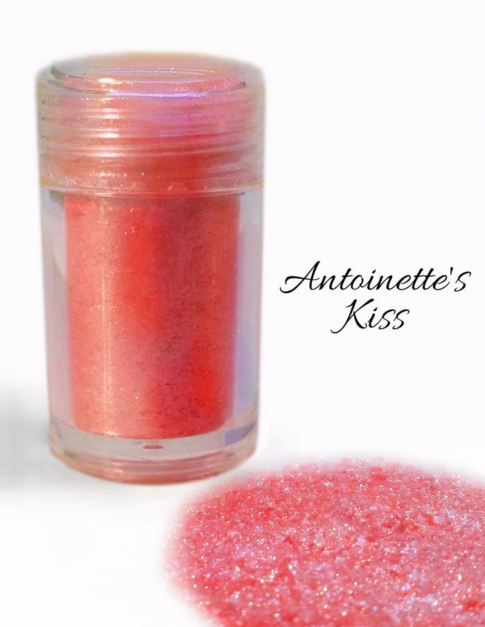 VIVID DIAMOND LUSTRE: Antoinette Kiss