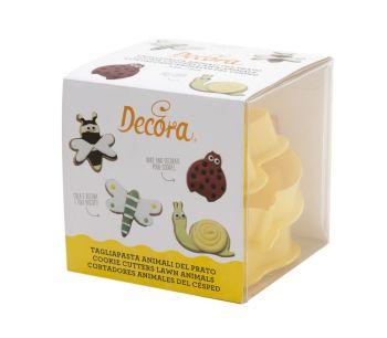 Decora 4 PLASTIC COOKIE CUTTERS LAWN ANIMALS KIT, 4 units @ £3.19 per unit.