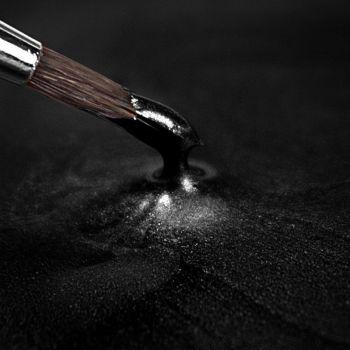 Rainbow Dust Paint Metallic Black: 25ml, 10 Units Per Box. £3.17 Per Unit.