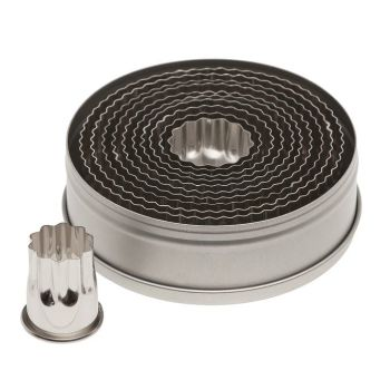 Ateco 11pc Fluted Round Cutter Set. 6 units at £9.51 per unit.