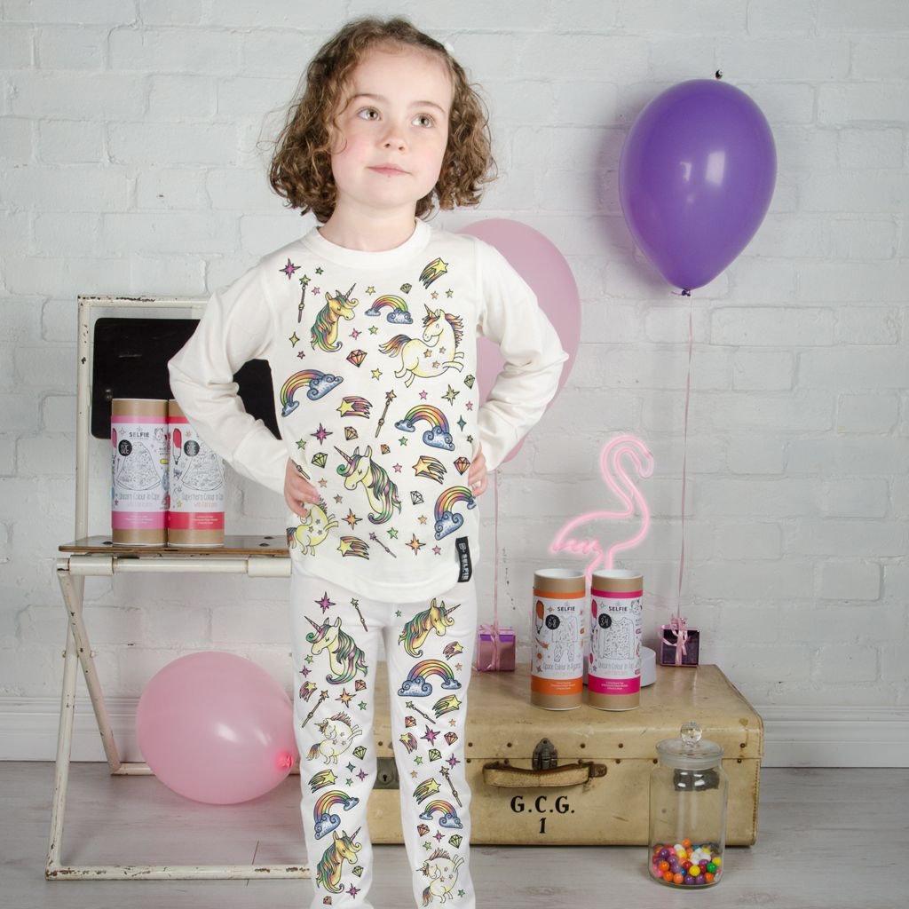 Selfie Clothing: Unicorn Colour In Pyjamas