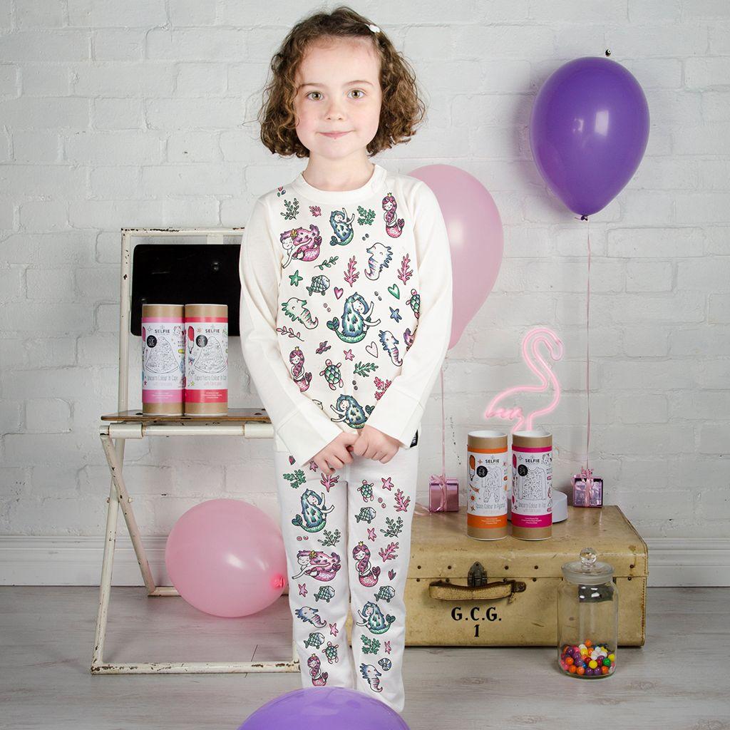 Selfie Clothing: Mermaid Colour In Pyjamas