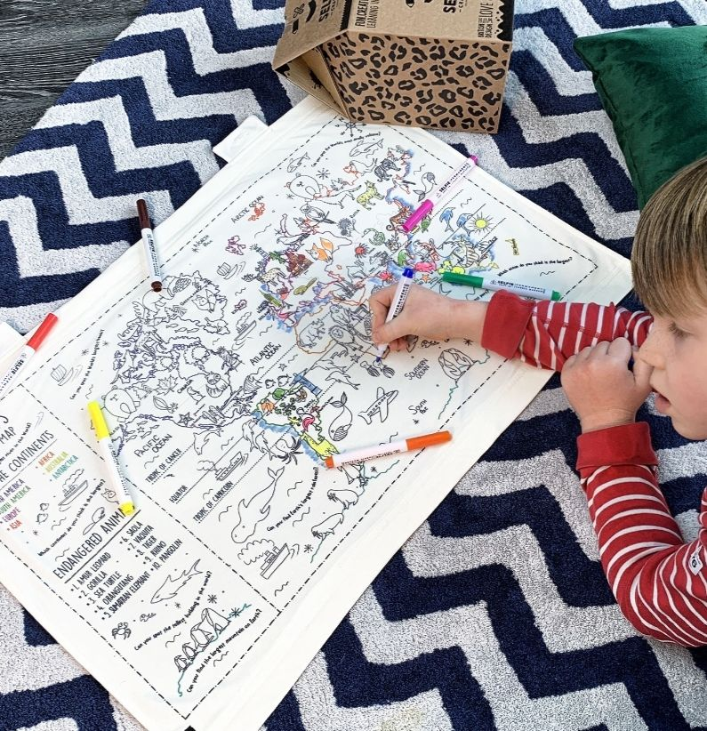 Selfie Clothing: Colour in World Map
