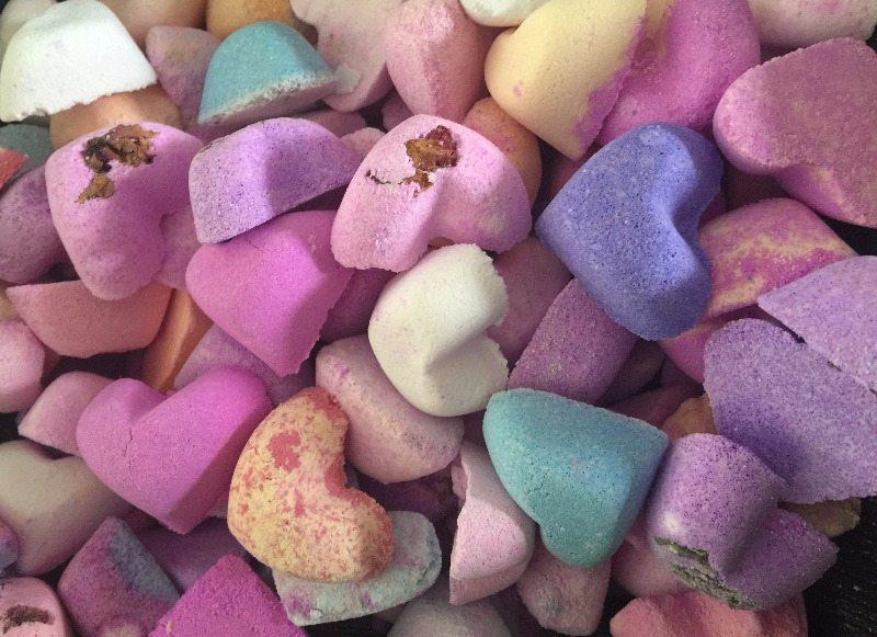 random mini heart bathbombs