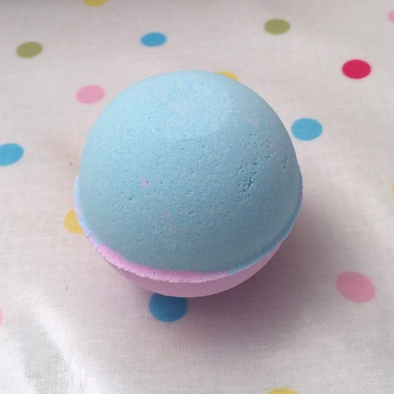 bubblegum bathbomb