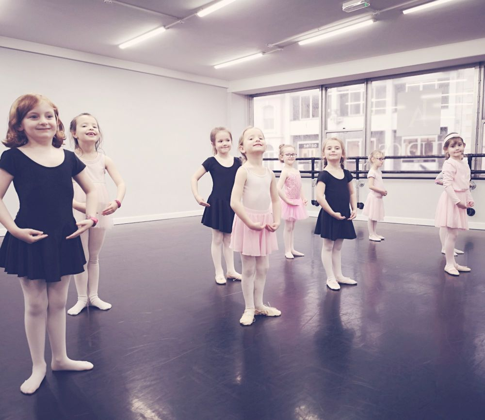 Tuesday IDTA Primary Ballet Syllabus Class - 4-4.45pm (Approx 7-9yrs)