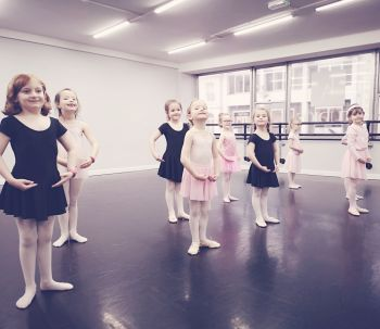 Wednesday IDTA Primary Ballet Syllabus Class - 4-4.45pm (Approx 5-7yrs)