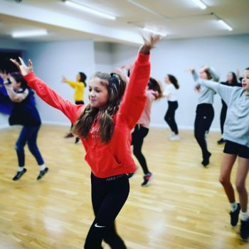 Wednesday Intermediate Commercial (CLASS 1 ) 4.15-5pm - (Ages 11-14yrs)