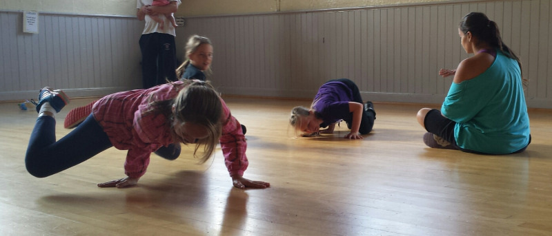 chris gilchrist rhythm city workshop with breakdancers at cornwall dance