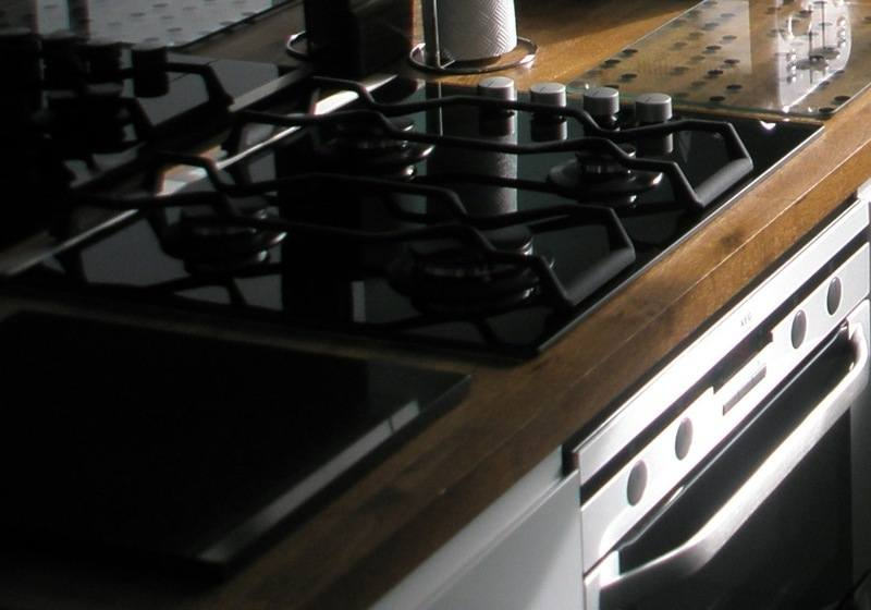 GAS HOB & OVEN