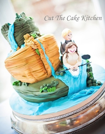 kayaking wedding cake
