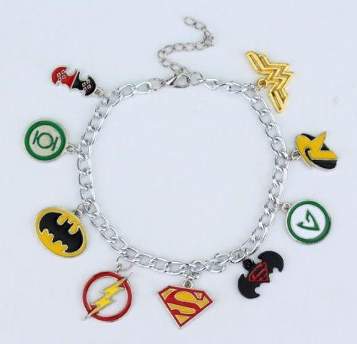 Justice League, Superman, Batman, Robin, Wonder Woman, The Flash, Arrow, Gr