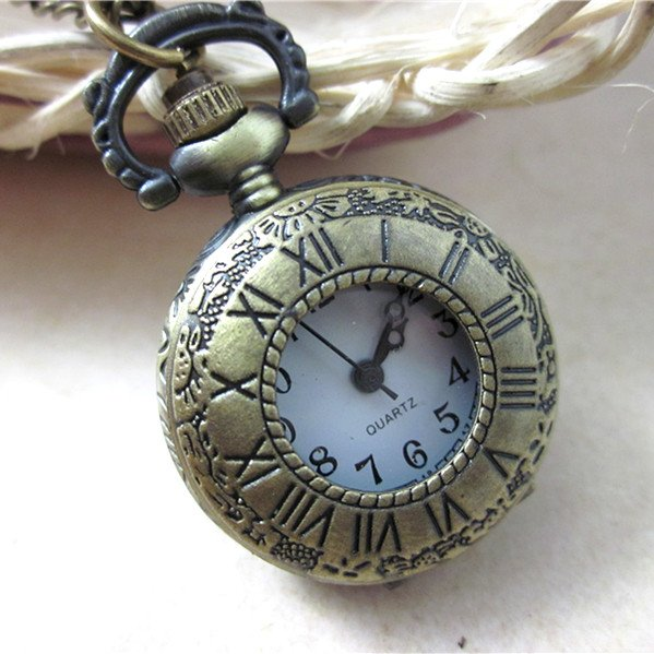 antique-roman-numerals-quartz-classical-pocket-watches-necklace-watches