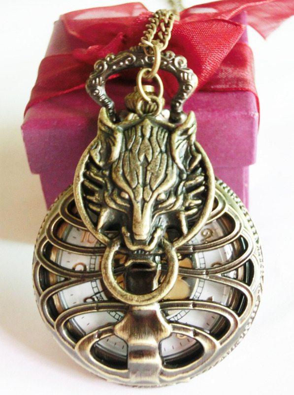 skele wolf pendant