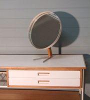 elliots mirror main