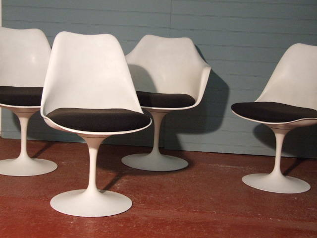 saarinen chairs1