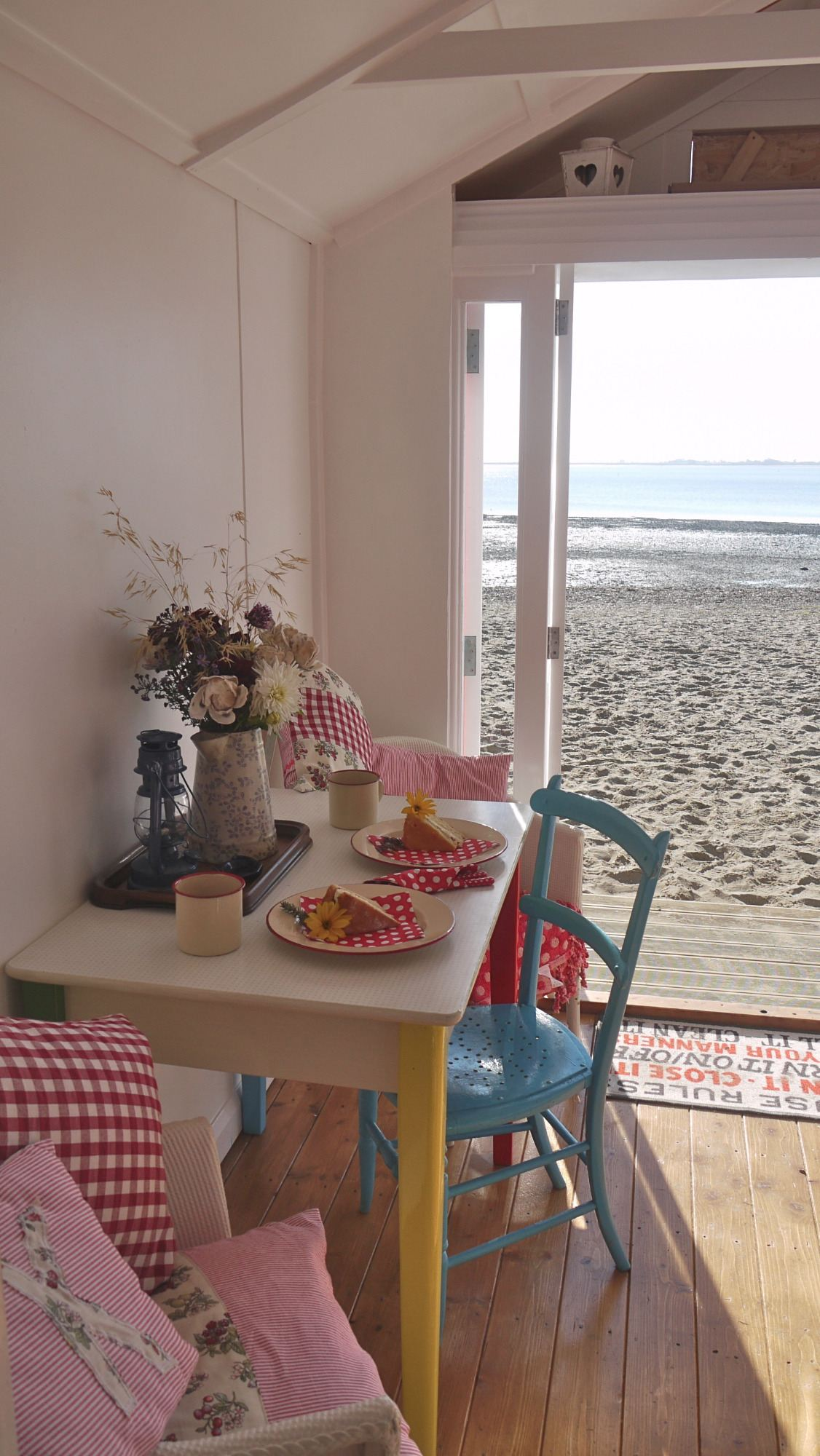 Gallery for Beach hut decoration ideas