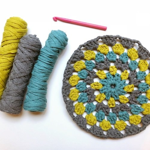 Learn to crochet a circle cushion - two week evening class