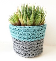 Learn to crochet a little pot (Porthtowan)