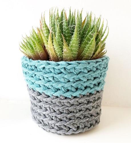 Learn to crochet a little pot 08/10/19