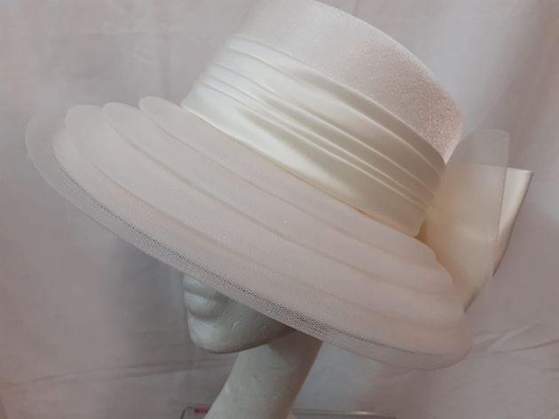 Ladies Cream Hat