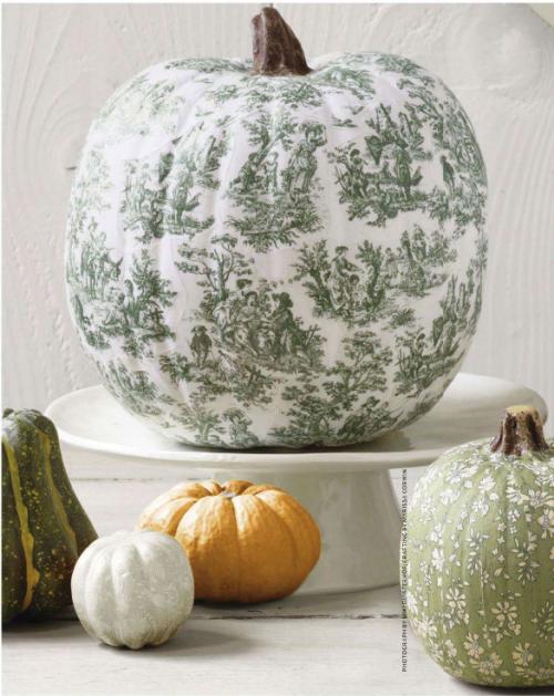 Autumn 2015 Deco: Toile-Decoupage-pumpkin-500x629