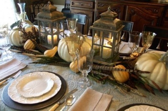 Autumn 2015 Deco: Table Center Deco cor-With-wooden-dining-table-chair-stoo