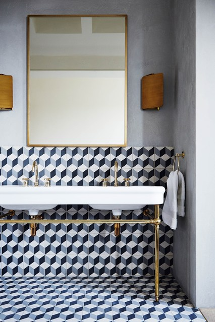 Autumn 2015 Room: Bathroom 2652065-balance-of-power-house-11may15_LucasAlle