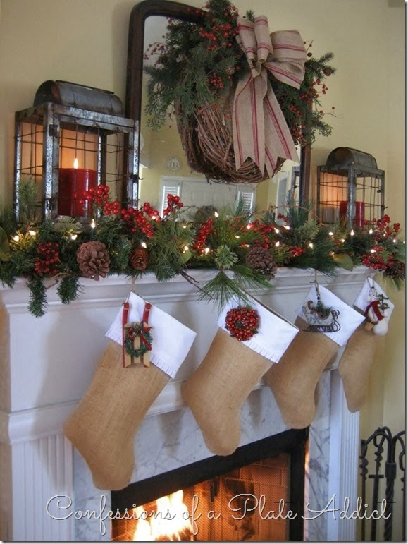 Christmas 15-Deco: 4 Christmas-Mantel-with-Burlap-Stockings