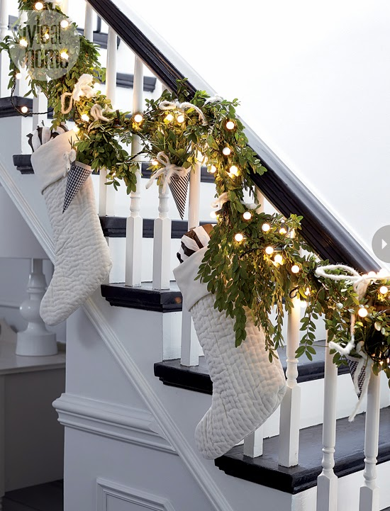 Christmas 15-Deco: Stocking Staircase interior-muted-xmas-stairs