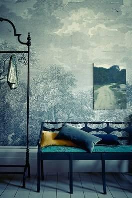 Summer 15 Room: Dramatic wall - Kristin-Perers-3-tatler-10feb14_pr_b_426x63
