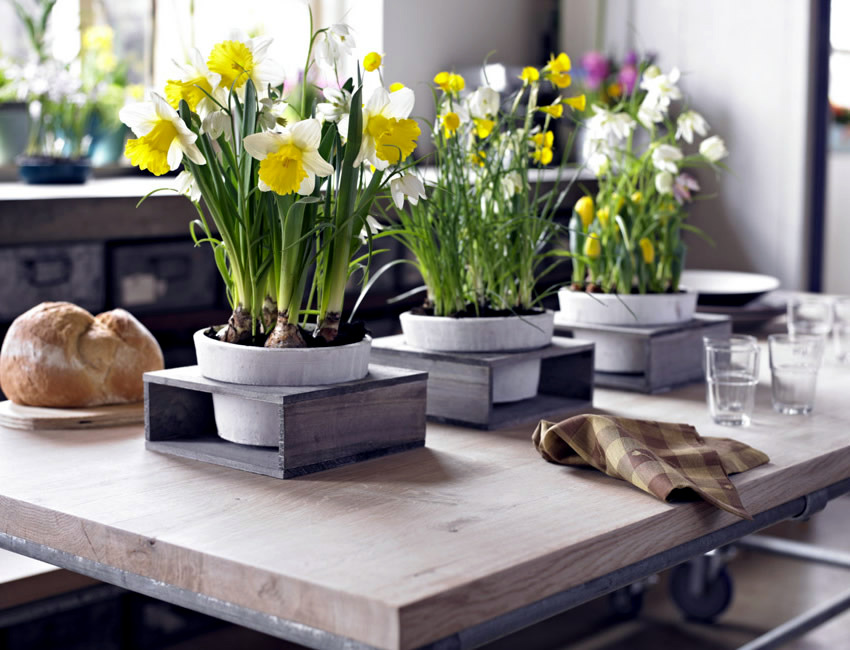 S16: 11 beautiful-spring-table-decoration-ideas-with-flowers-2-674