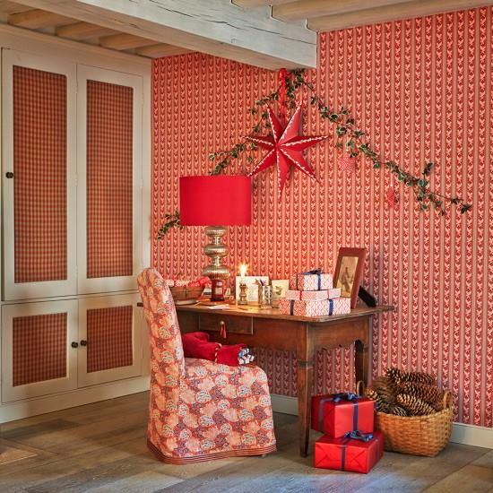 Christmas 2016: H&G Red 15380772_10154615479371011_2432284292747320227_n