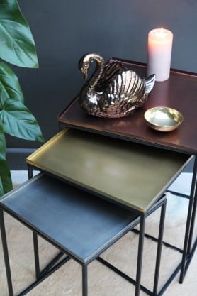 Christmas 17: 41 rockettstgeorge_square_tray_enamel_nesting_tables_set_o