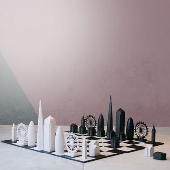 Christmas 17: 84 normal_london-skyline-architectural-chess-set