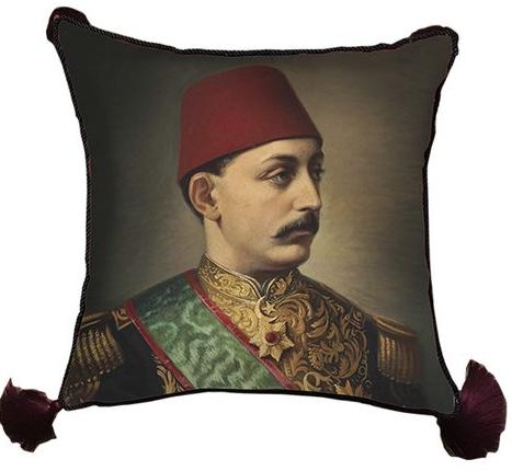 Christmas 2017: Ottoman BERTRN-02820170308-26047-mszpvn