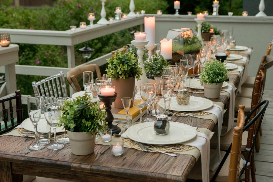 Summer 19: 87 Fabulous-table-decoration-with-place-settings-for-cand