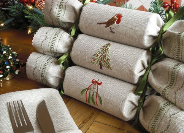 C: Crackers woodland_reusable_christmas_cracker_lifestyle_shot_1