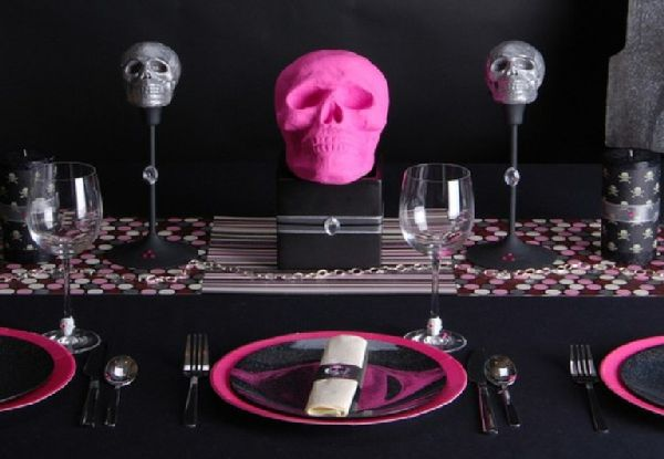 Halloween 10: Black-Halloween-for-Home-Decorating-Ideas-for-Dining-Table-De
