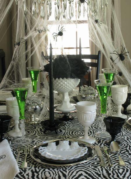Halloween 29: halloween-table-display32