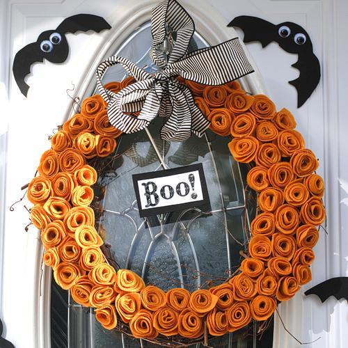 Halloween 32: halloweenwreathorangefelt