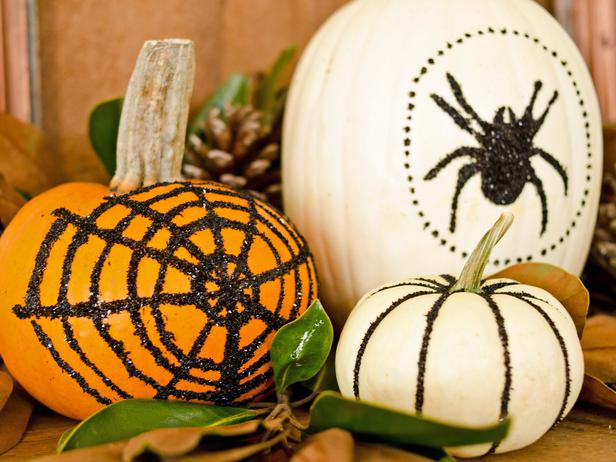 Halloween 48: original_Marian-Parsons-Halloween-glittered-pumpkins-beauty_4